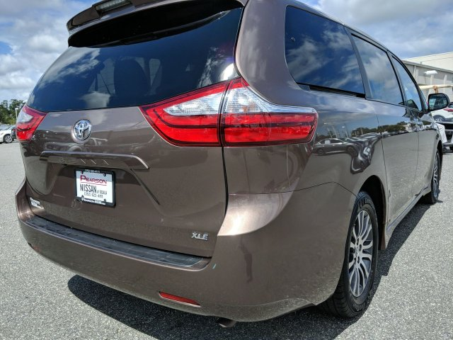 Pre-Owned 2019 TOYOTA SIENNA